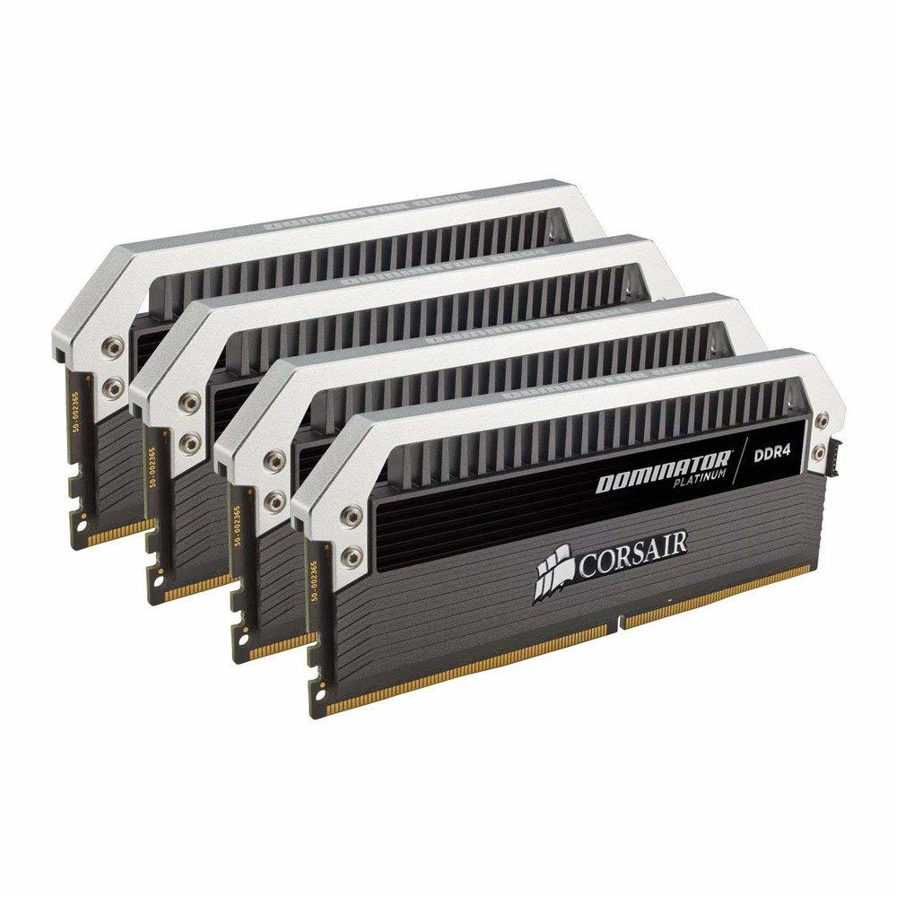 Kit di Memoria per Desktop a Elevate Prestazioni - Corsair Dominator Platinum, DDR4 32GB (4x8GB), 3000 MHz C15 XMP 2.0