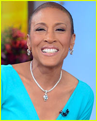 robin-roberts-returns-to-gma-greeted-by-the-obamas.jpg