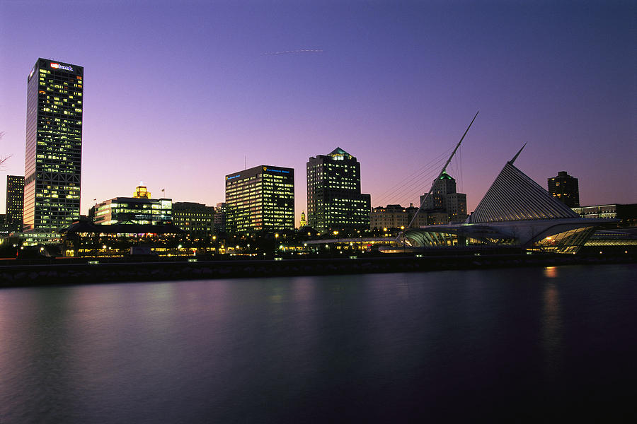 the-milwaukee-skyline-at-twilight-medford-taylor.jpg