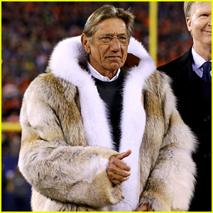 joe-namath-fur-jacket-at-super-bowl-2014-photos.jpg