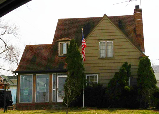 This is an actual photo of Jaws' house on Kenwood Avenue. The internet provides us with some crazy history!