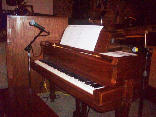 19. piano_aug21.jpg