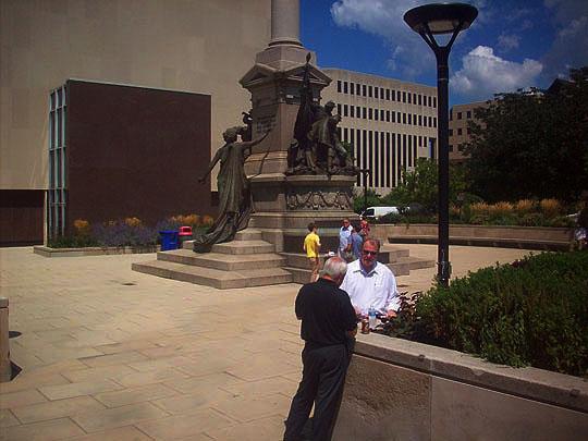 23. statue_aug22.jpg