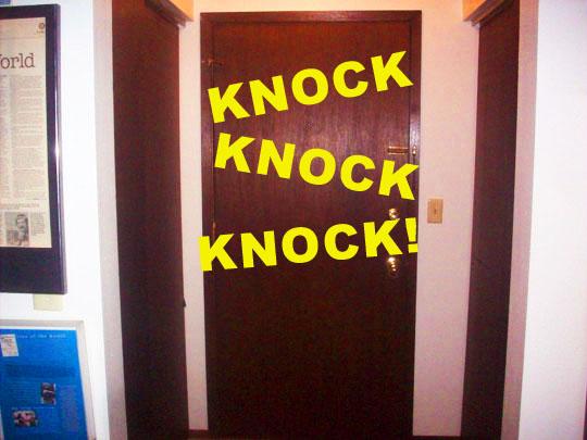 2. door_.jpg