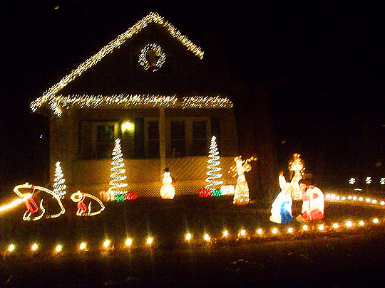 3. christmaslights-Dec13.jpg