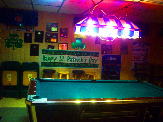 Two Beers Jans Tap With Some Photos From Nearby Nite Life - Old school pool table