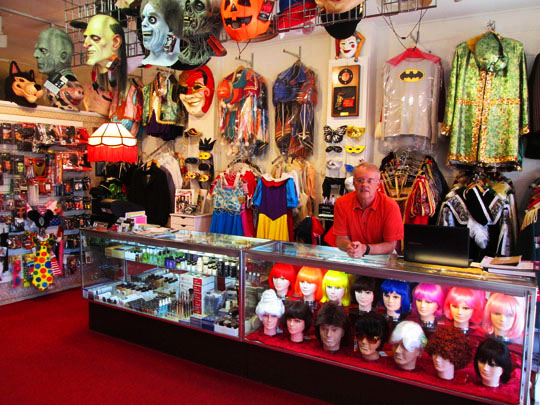 halloween store in peoria il
