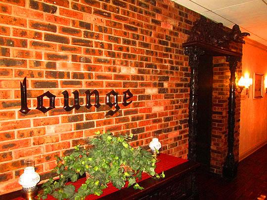 4. lounge_oct18-17.jpg