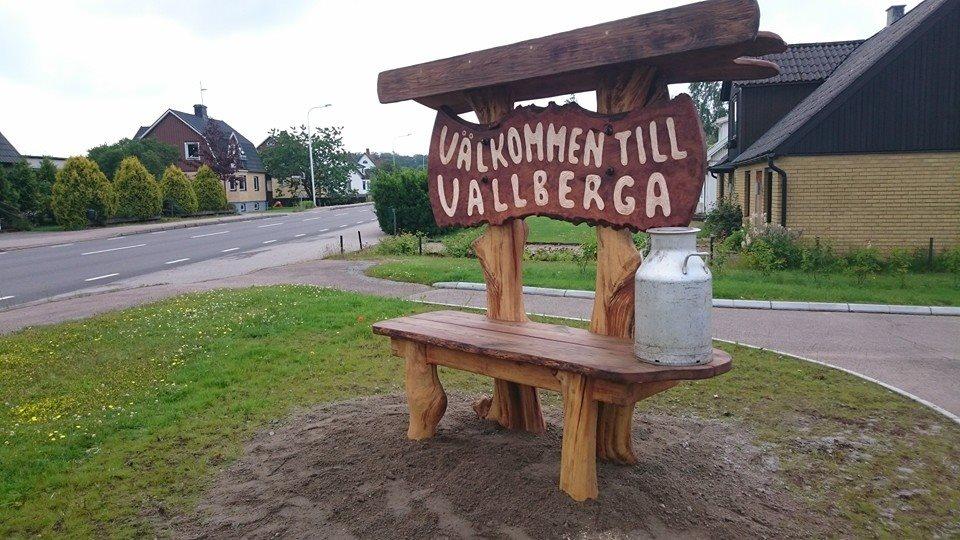 Välkomstskyllt Vallberga
