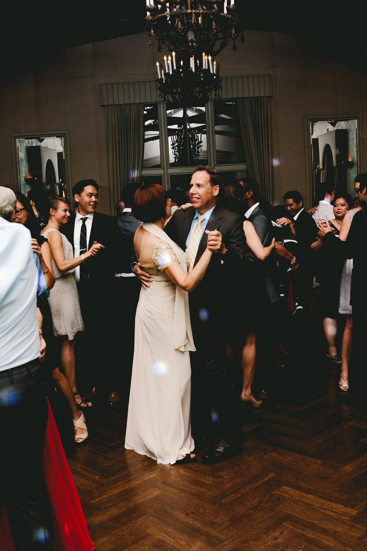 kellykris-091914-dancing-032.jpg