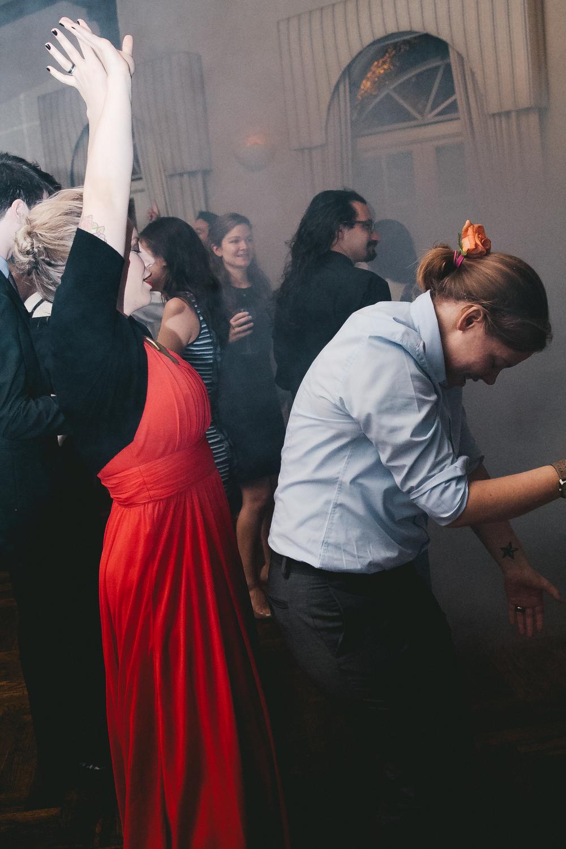kellykris-091914-dancing-072.jpg
