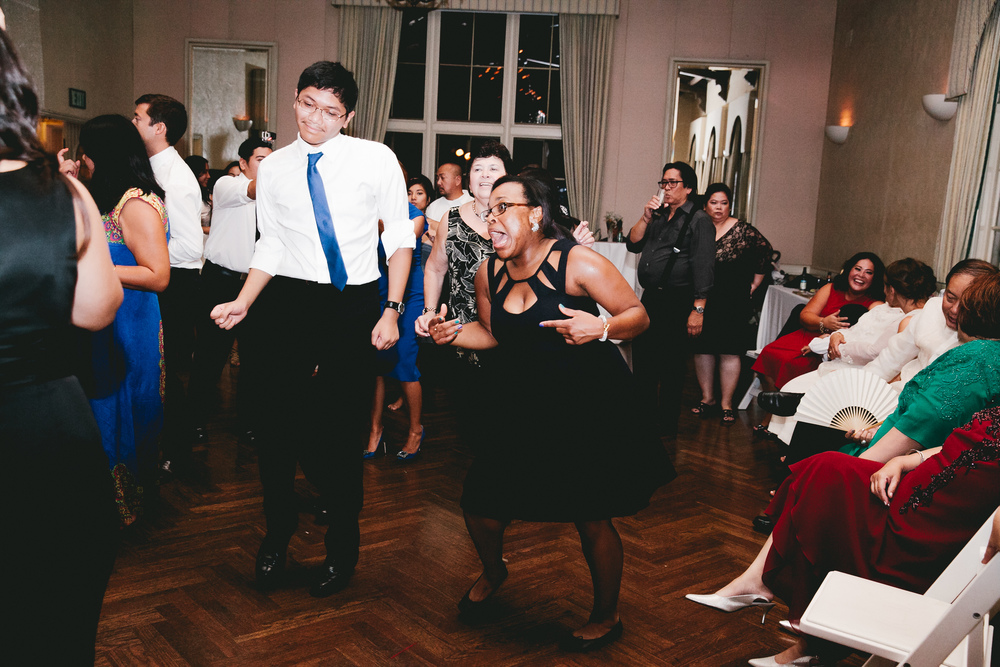 kellykris-091914-dancing-240.jpg
