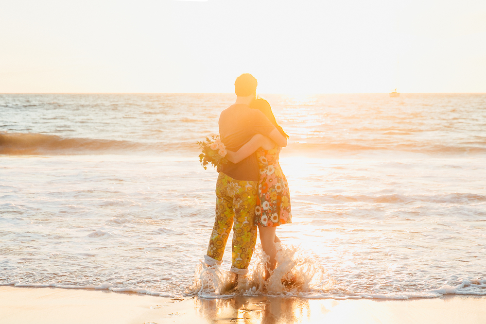 los-angeles-beach-engagement-shoot
