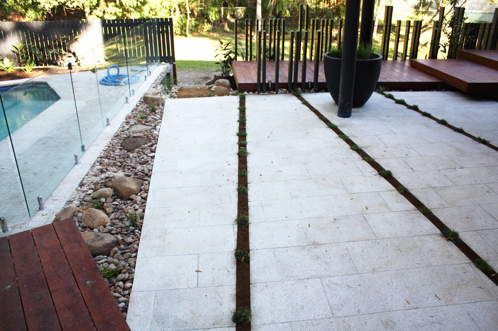 bardon-pool-paving.jpg