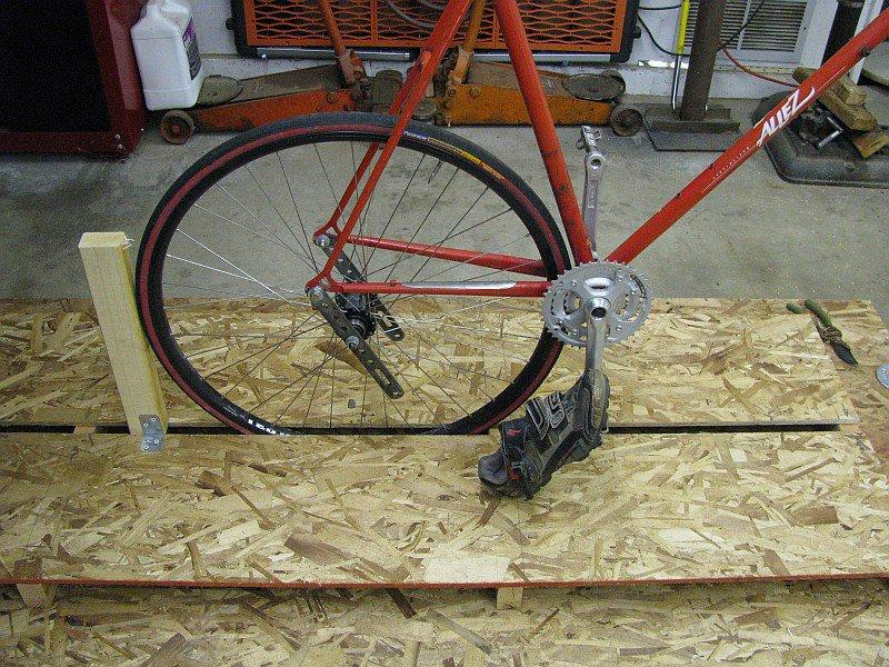 2011-07-11 03 mockup 700c wheel too big floor too high.jpg