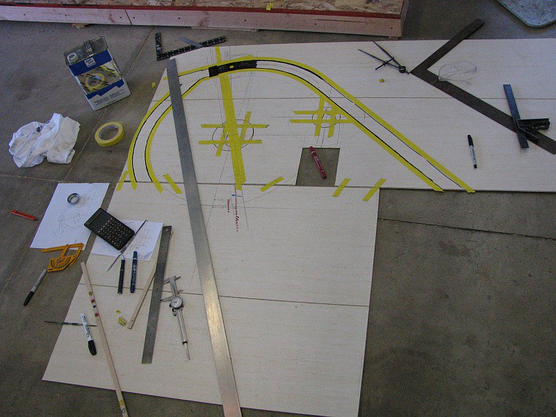 2011-07-20 01 floor as drafting table.jpg