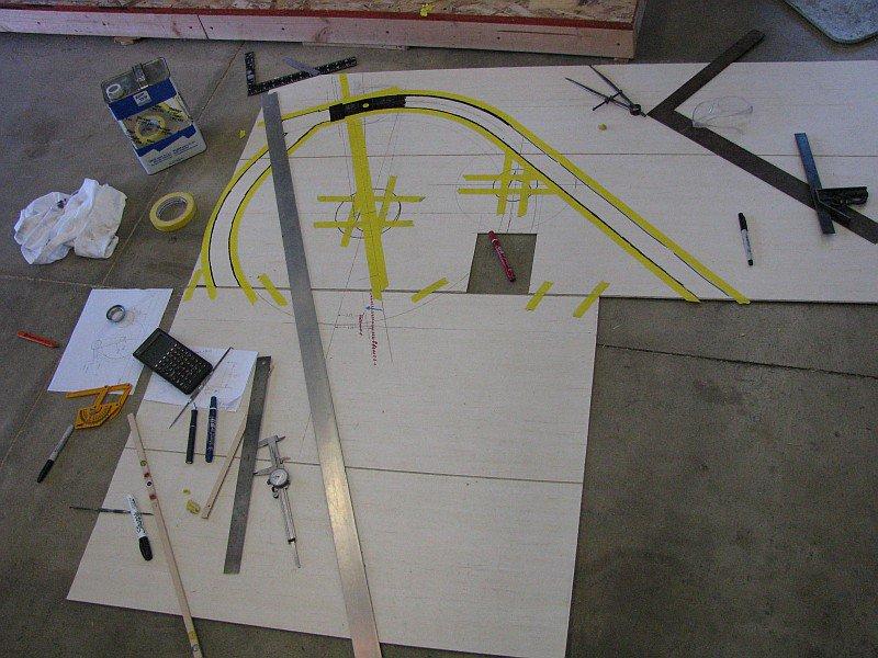 2011-07-20 01 floor as drafting table.jpg