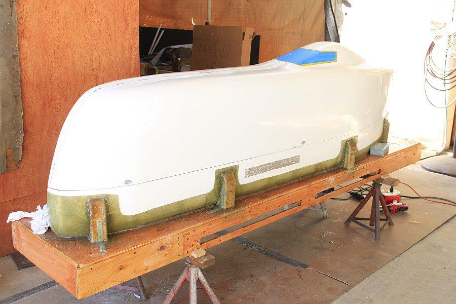 2012-09-06 01 streamliner body Dzus fasteners.jpg