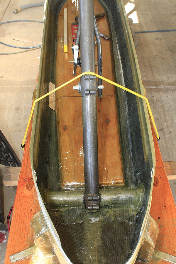 2012-09-08 01 streamliner subframe installed in body.jpg