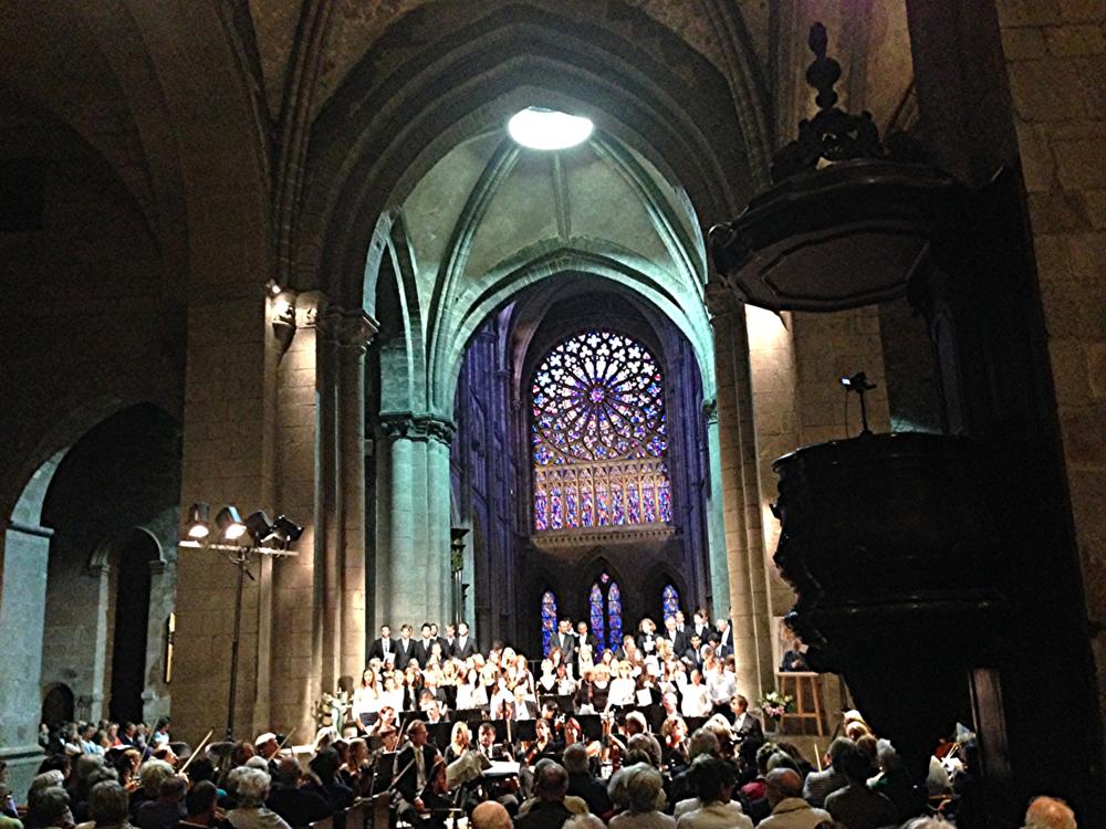 Lang anhaltender Applaus nach dem gelungenen Konzert... Hat jemand noch schönere Bilder? Wir zeigen sie hier gerne.