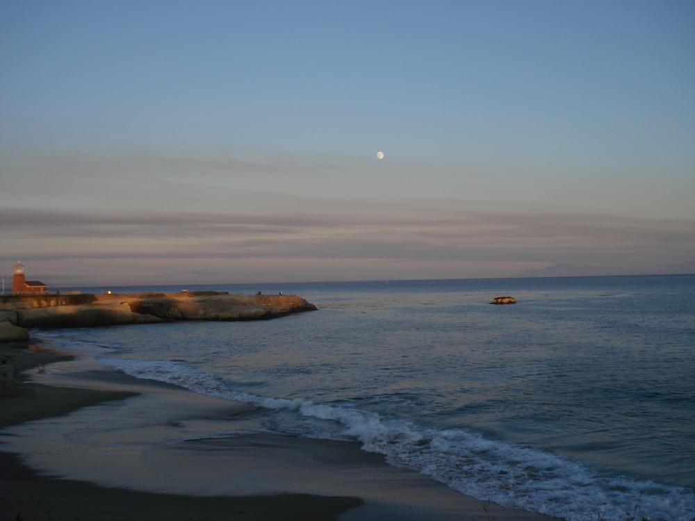 Santa Cruz Moonrise