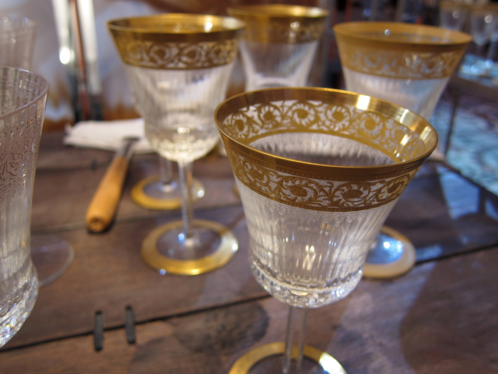 Each gilded glass is hand painted.