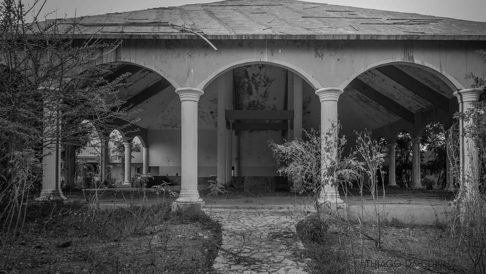 fotografia de hoteles abandonados en el caribe.jpg
