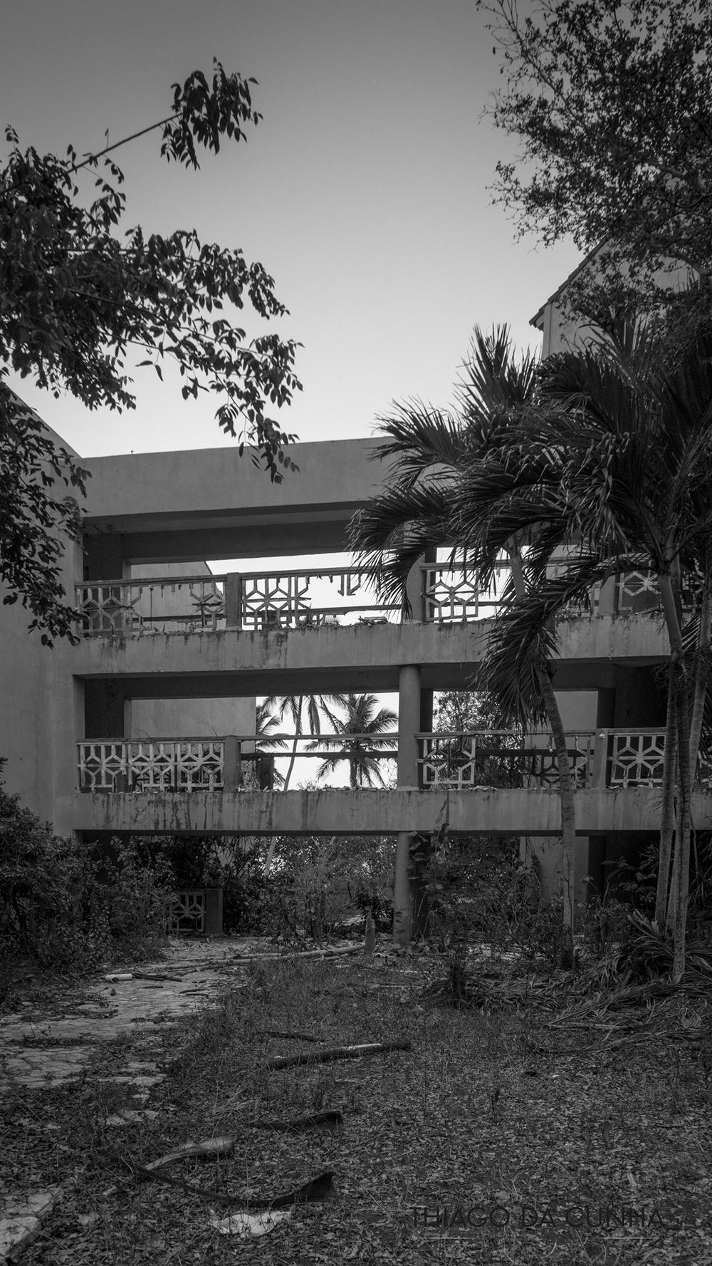 hoteles abandonados del caribe.jpg