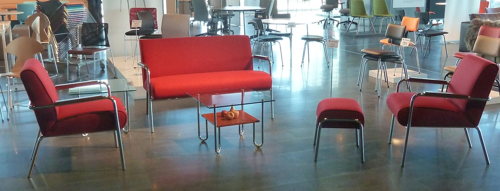 Venta sofa, chairs, ottoman and table