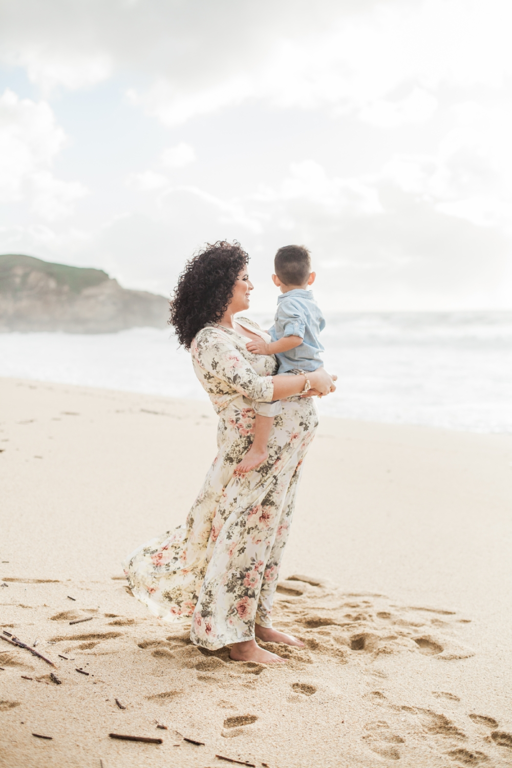 half-moon-bay-beach-maternity-session-perez-family