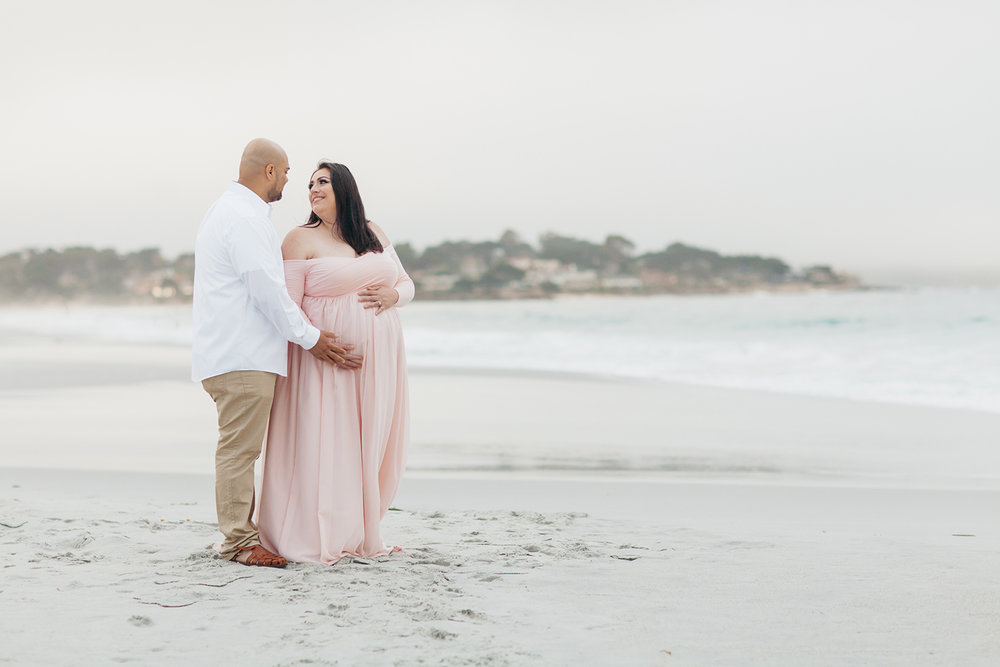 veronica-fausto-monterey-bay-maternity-session-06