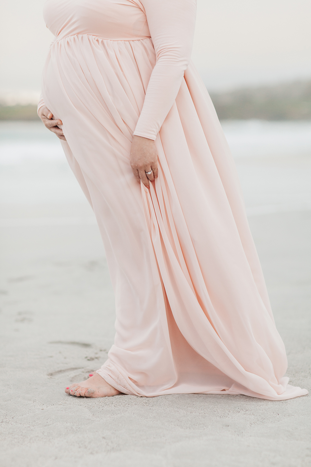 veronica-fausto-monterey-bay-maternity-session-08