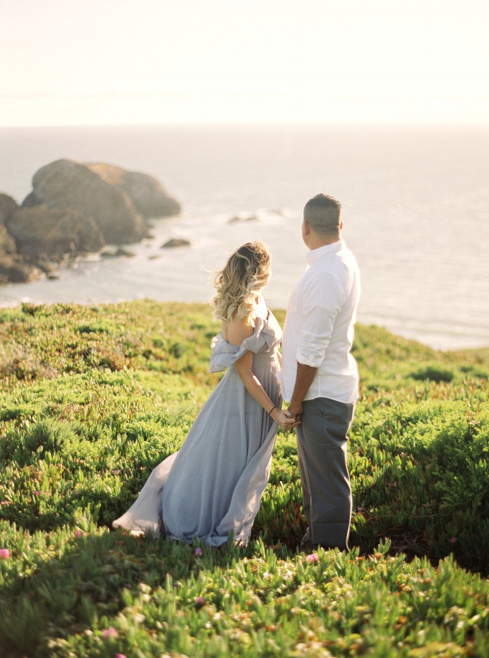 marin-headlands-anniversary-session-louie+elena-01.html