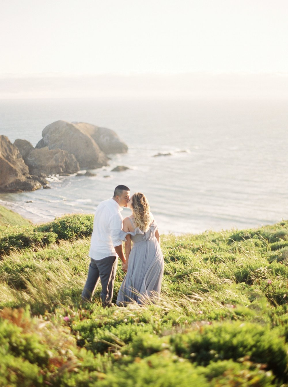 marin-headlands-anniversary-session-louie+elena-07.html