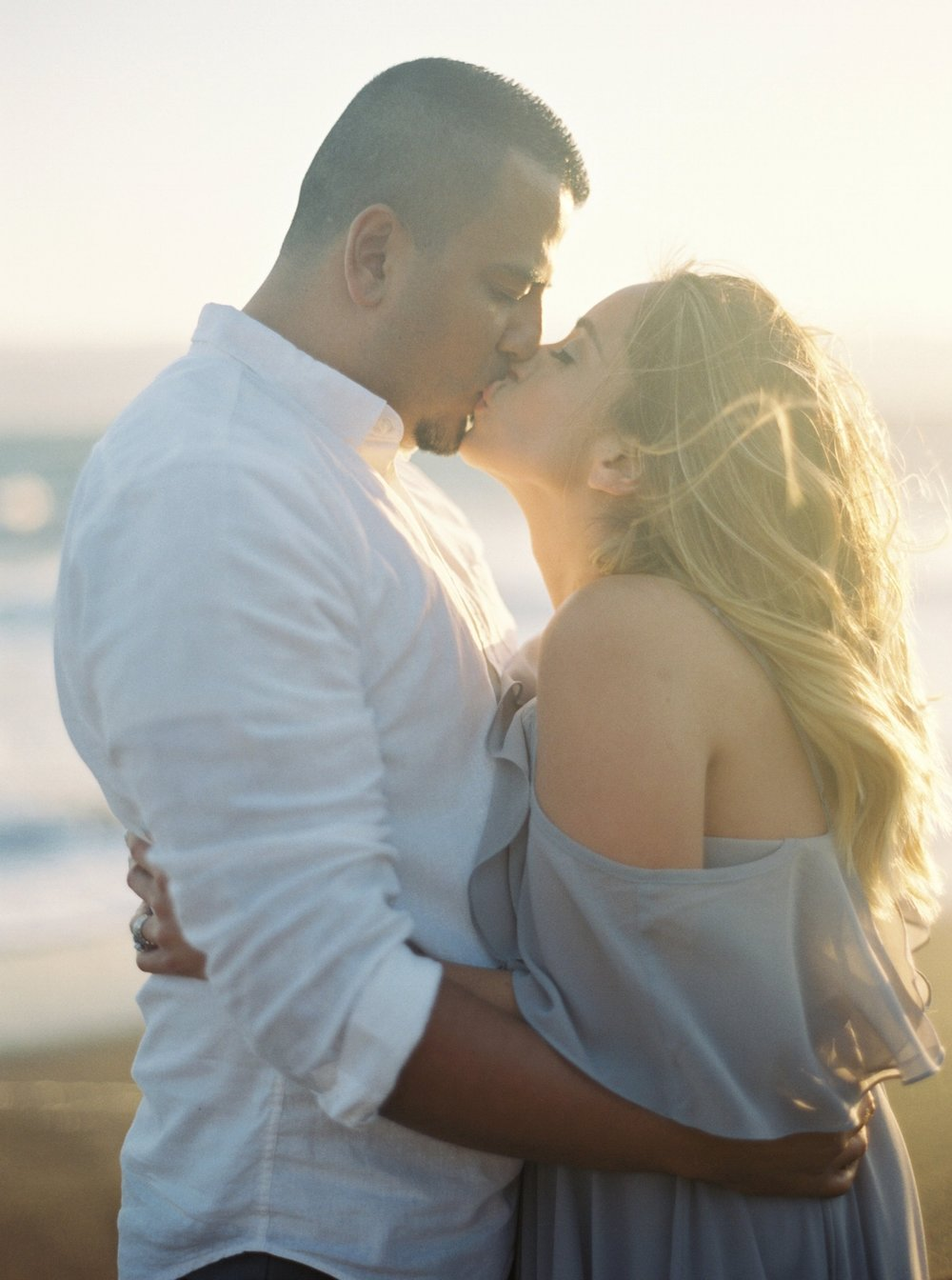marin-headlands-anniversary-session-louie+elena-18.html