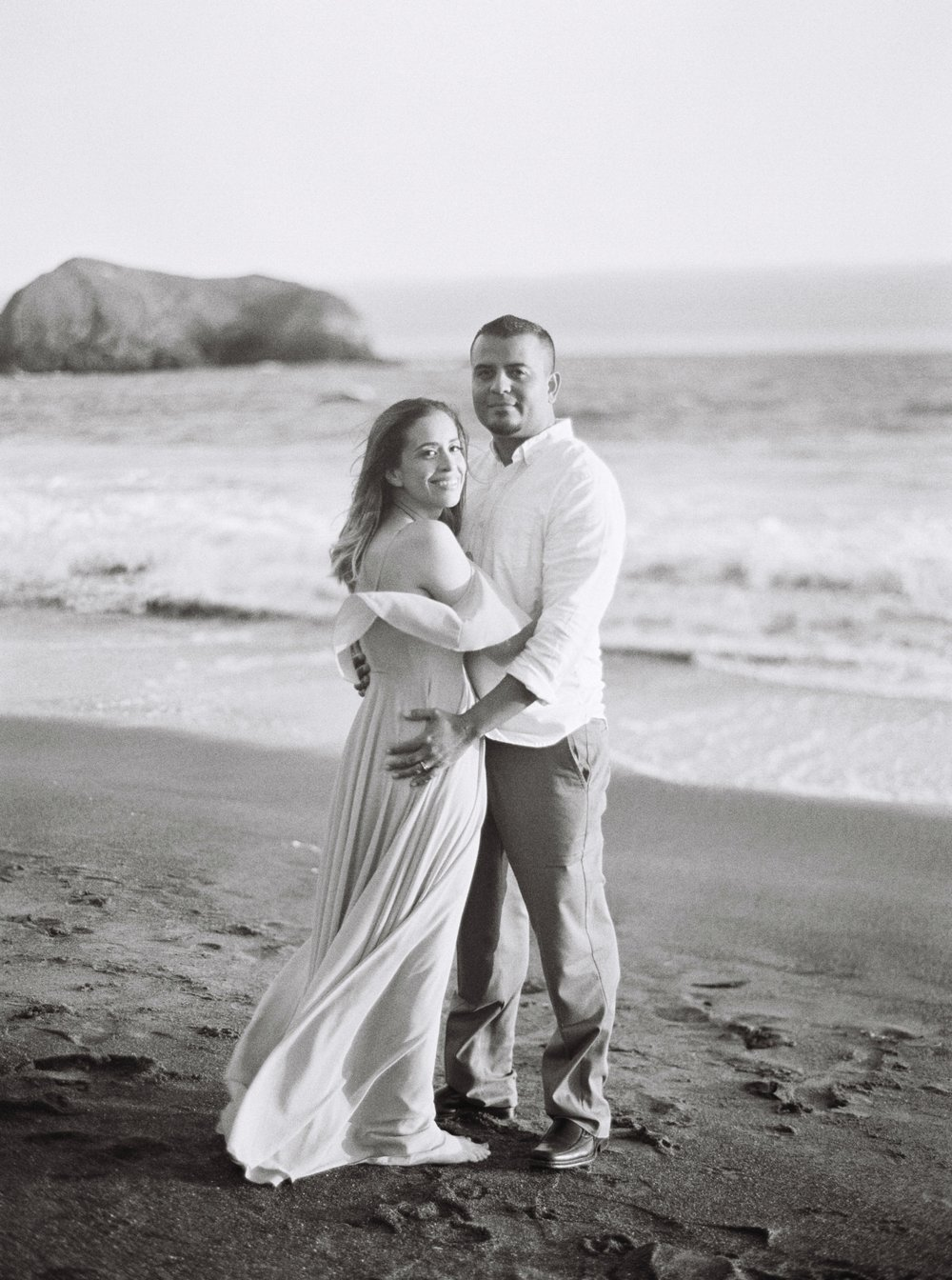 marin-headlands-anniversary-session-louie+elena-26.html
