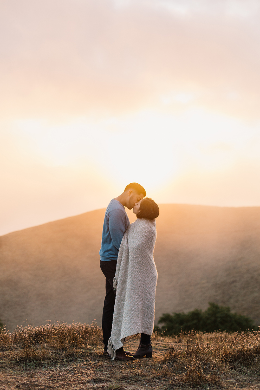 engagement-session-in-mount-tamalpais-01.jpg