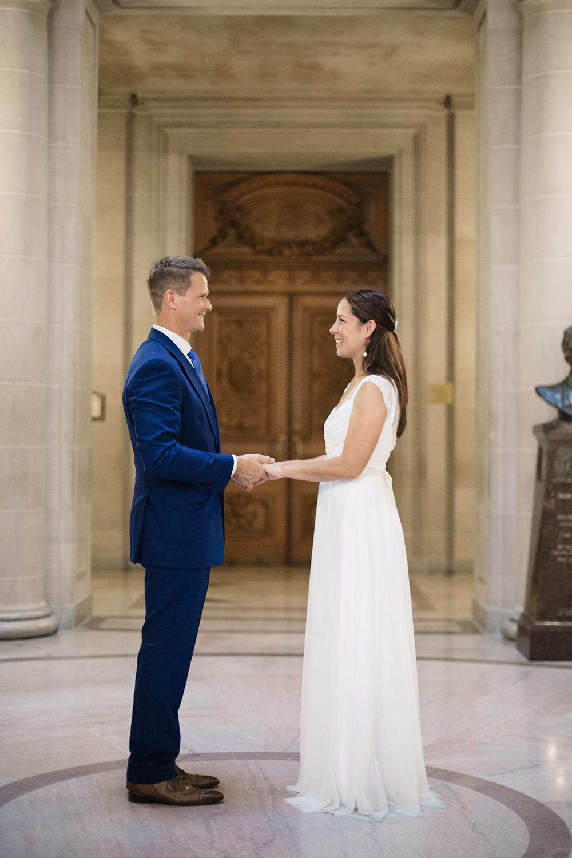 robert-and-nicoles-san-francisco-city-hall-wedding-17