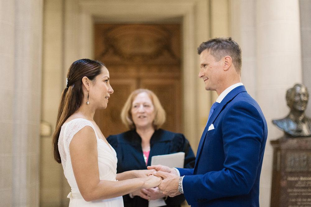 robert-and-nicoles-san-francisco-city-hall-wedding-24
