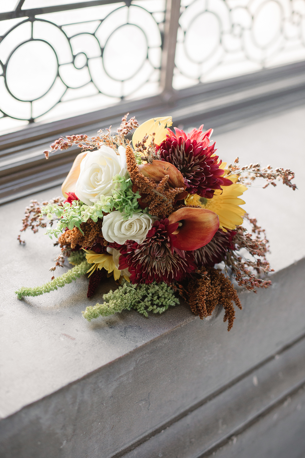 DYI bride bouquet for her San Francisco City Hall wedding.