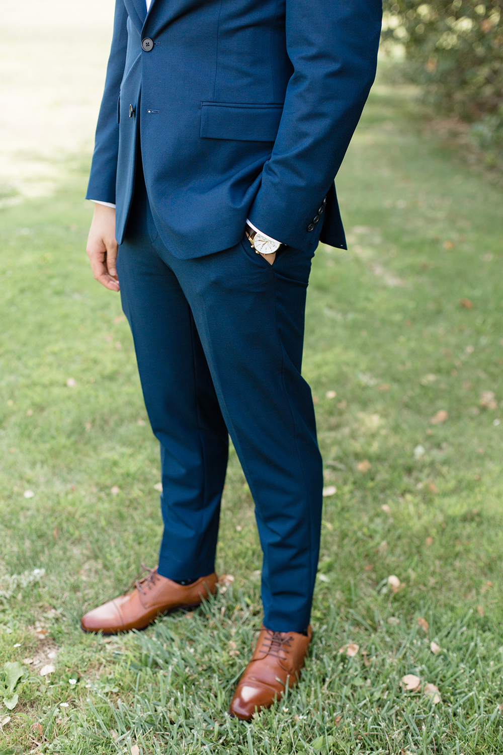 wedding photography of groom suit at eagle vines golf club in napa california