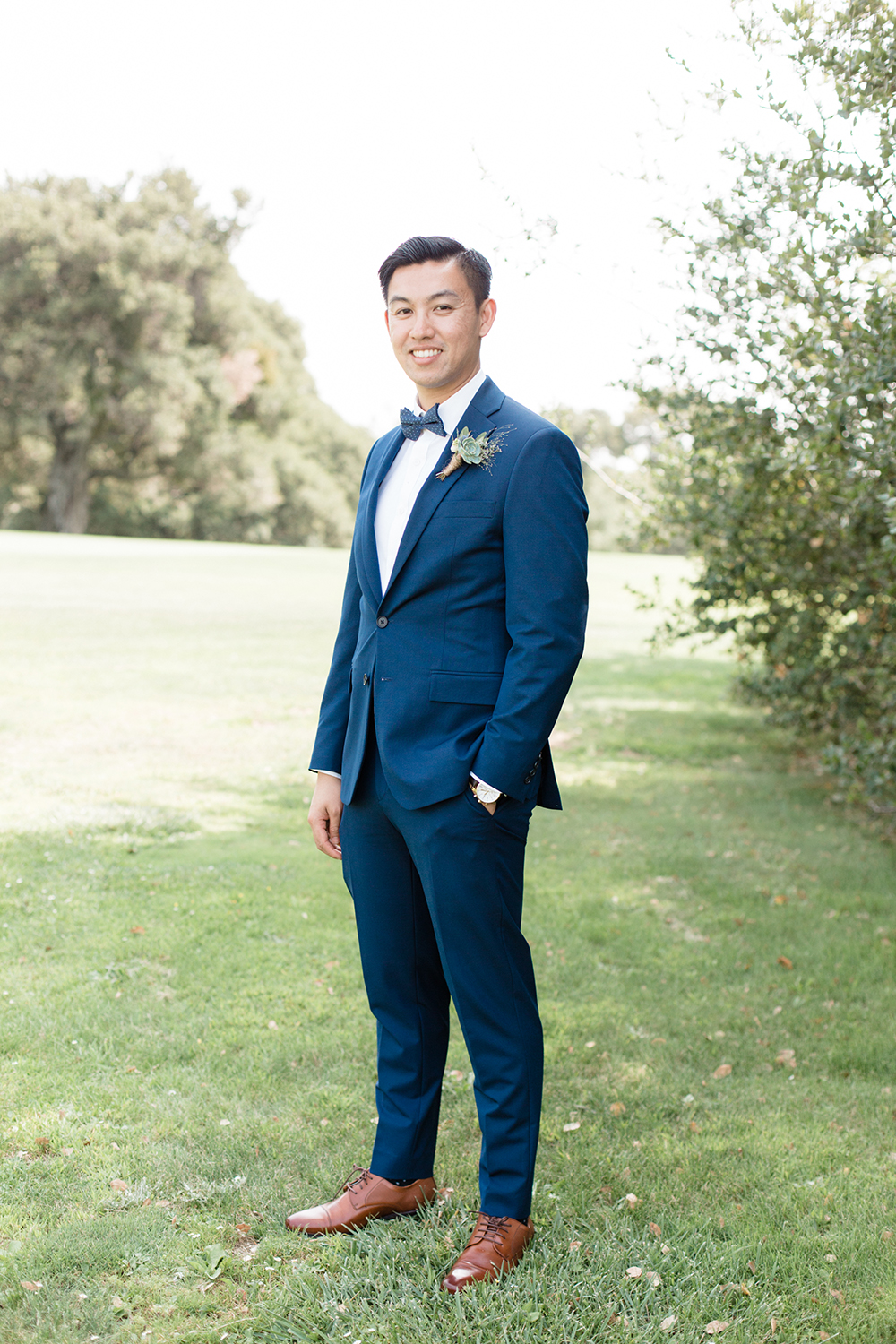 wedding portrait of groom at eagle vines golf club in napa california