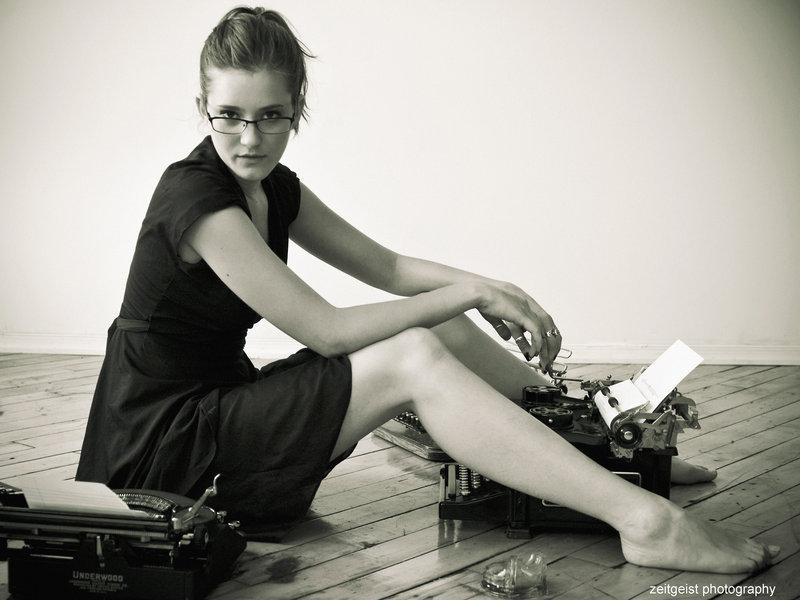 girl_at_typewriter_by_scherbius-d3kkfph.jpg