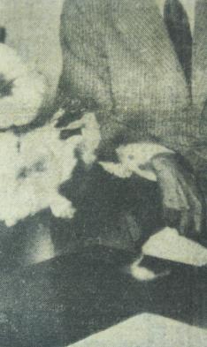 Photographie: Kapwani Kiwanga 2013- detail du journal Paris-Dakar 1959.