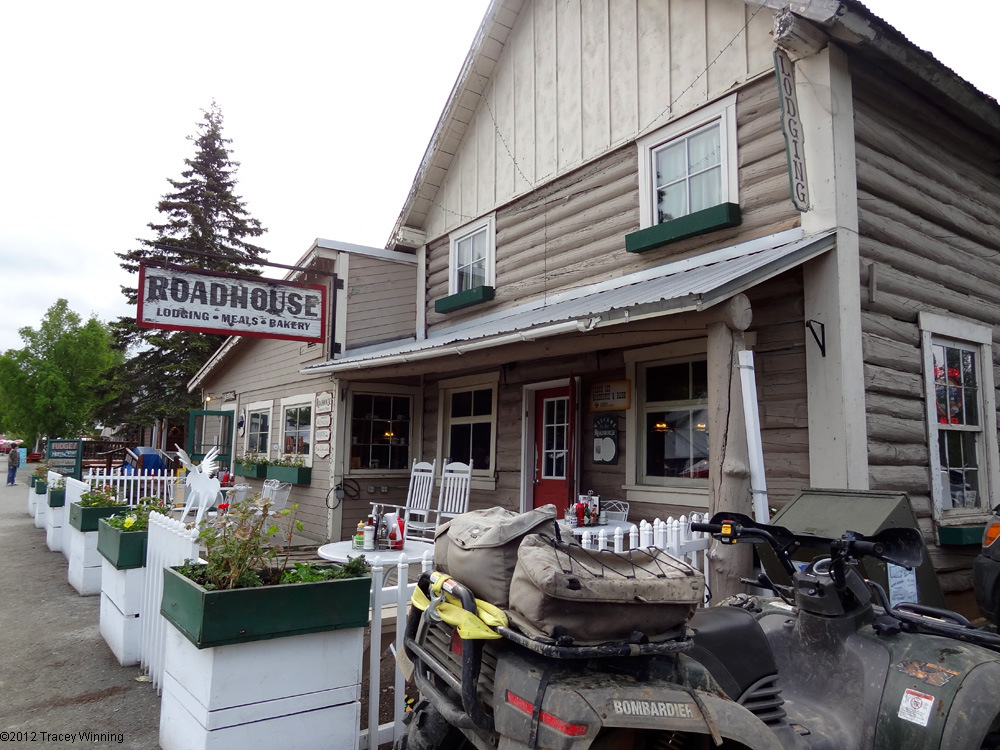 Driving Alaska : Talkeetna Roadhouse