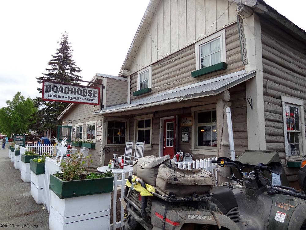 Driving Alaska : Talkeetna Roadhouse