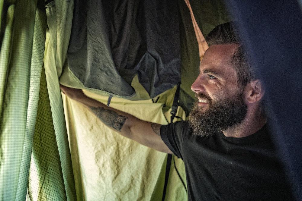 LUFTING :  Hvis du henger opp telt, sovepose og ulltøy til tørk med det samme etter turen, forlenger du levetiden betydelig.