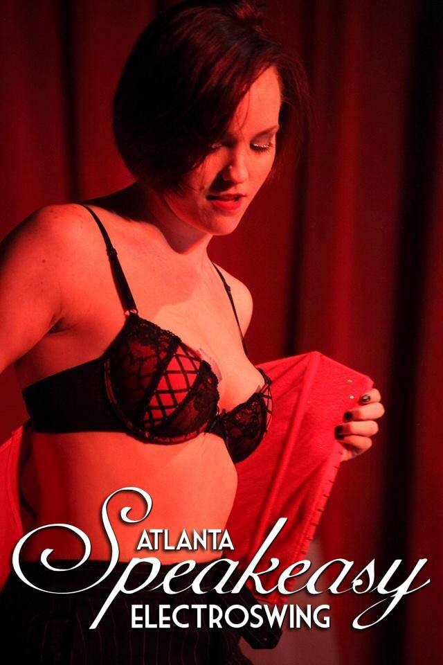 sunshine-divine-at-red-light-cafe-atlanta-ga-jul-24-2015-photo.jpg