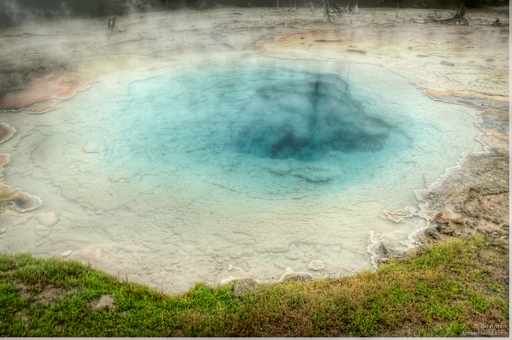 yellowstone-5969_71_73_tonemapped.jpg