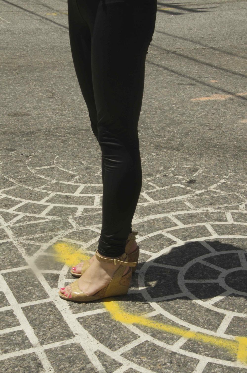 _DSC7109 legs in street@jpg.jpg